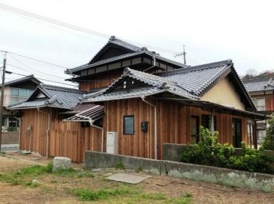 『江田島の家』築70年古民家のリノベーション (ウッディな和風外観)