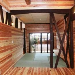 『江田島の家』築70年古民家のリノベーション (光を取り込む畳コーナー・坪庭)