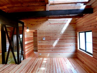 『江田島の家』築70年古民家のリノベーション (広くて明るいリビングダイニング)