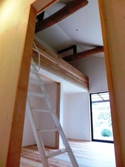 ロフト付きの子供部屋 (『江田島の家』築70年古民家のリノベーション)