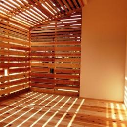 『江田島の家』築70年古民家のリノベーション (木製ルーバーのサンルーム)