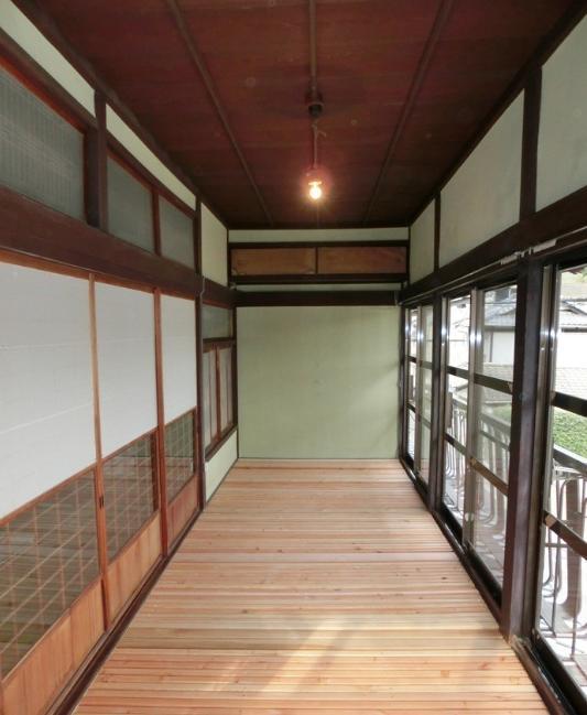『江田島の家』築70年古民家のリノベーション (開放的な2階広縁)