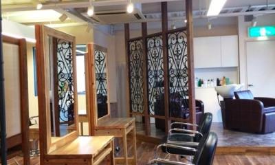 『HAIR & MAKE TRUTH』美容室のリニューアル&移設 (奥には新設のシャンプー台)