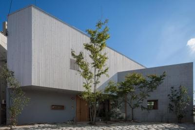 外断熱RC造の家-外観 (器屋のある住まい)