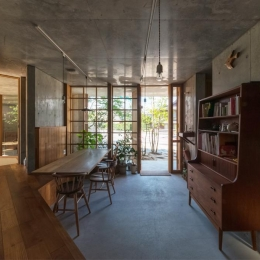 建築家 中渡瀬拡司の事例「器屋のある住まい」