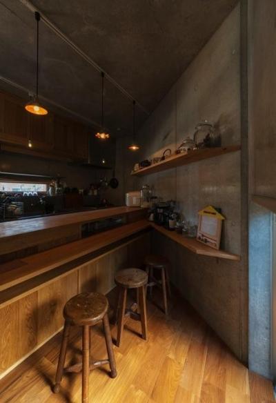 朝食スペース (器屋のある住まい)