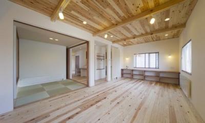 四季を楽しむ家 (2階大空間リビング)