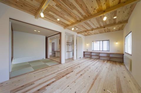四季を楽しむ家の部屋 2階大空間リビング