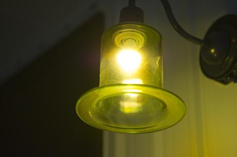 四季を楽しむ家の部屋 オリジナル照明