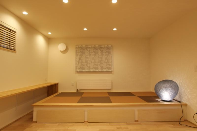 『Love House』こだわりの詰まった可愛らしい住まいの写真 床下収納のある畳スペース