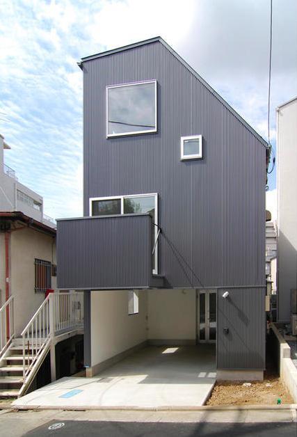 星設計室「『巣箱の家』家族の成長を見守る住まい」