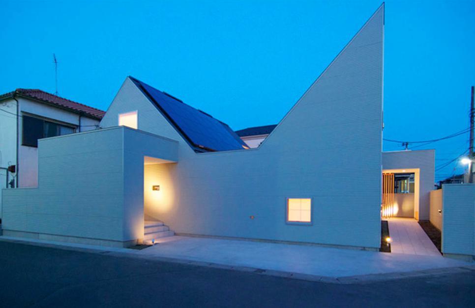 『Ka-house』家を巡る楽しさのある二世帯住宅 (個性的な外観の二世帯住宅)