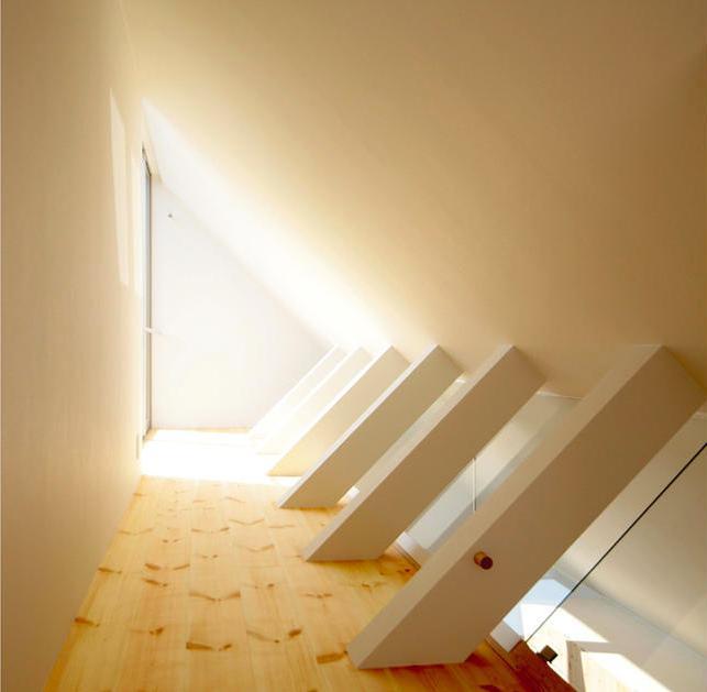 星設計室「『ひとやまはん。』家を巡る楽しさのある完全分離二世帯住宅」