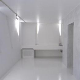 『Natural Cubes』立体キューブの賃貸住宅 (room2-白で統一された空間)
