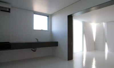 『Natural Cubes』立体キューブの賃貸住宅 (room3-モノトーンでクールなDK)