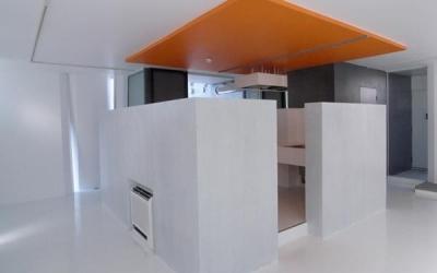 room5-独立型キッチン (『Natural Cubes』立体キューブの賃貸住宅)