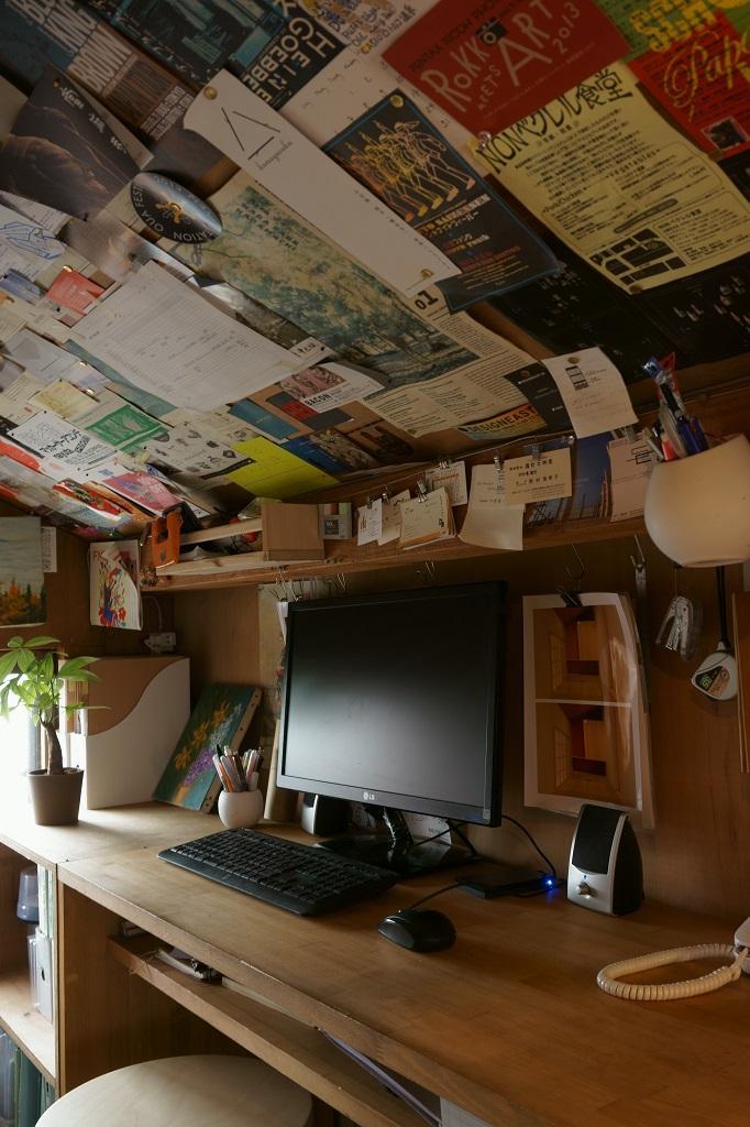 建築家:ムラカミマサヒコ一級建築士事務所「『屋根裏のアトリエ』限られた空間をアトリエにリノベ」