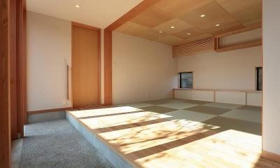 集う家 (土間縁に面する和室)