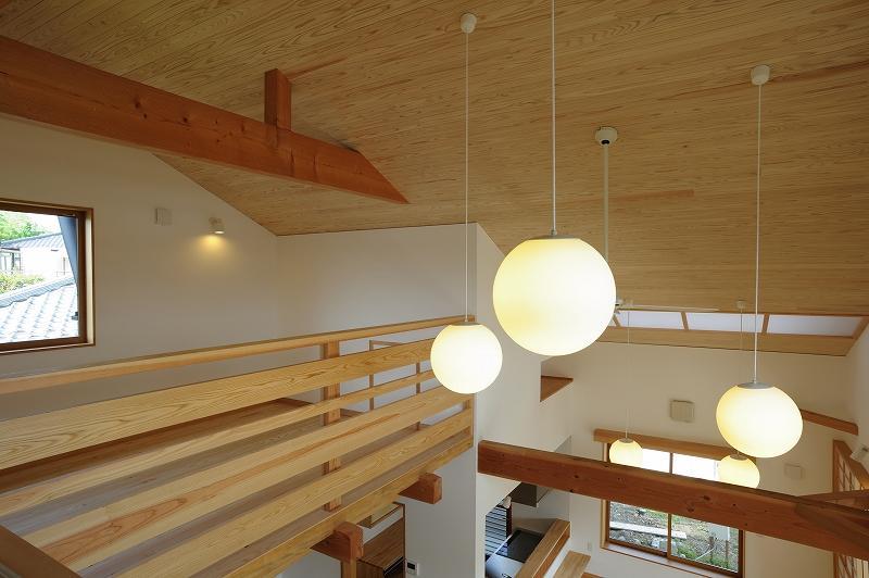 大屋根造りの家 (吹き抜け部分)