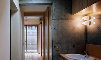 廊下・洗面スペース|『NSH』コンパクトにまとめられた温かな住まい