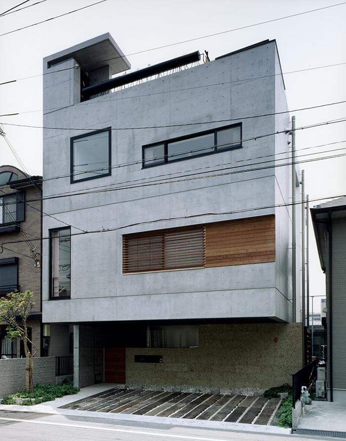 『SMH』住まい手に優しいバリアフリー住宅の部屋 コンクリート打ち放しの外観