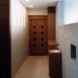 『SMH』住まい手に優しいバリアフリー住宅 (玄関・エレベーター)
