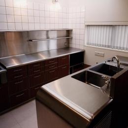 『SMH』住まい手に優しいバリアフリー住宅 (ステンレスキッチン-2)