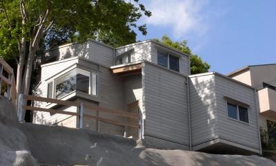 外観見上げ|『HKH』優しい光の集まる木造2階建て住宅