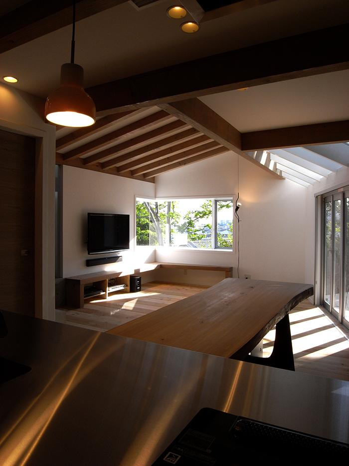 『HKH』優しい光の集まる木造2階建て住宅の写真 光の集まるLDK