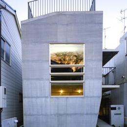 『subako』重厚感のあるコンクリート住宅 (重厚感のある外観)