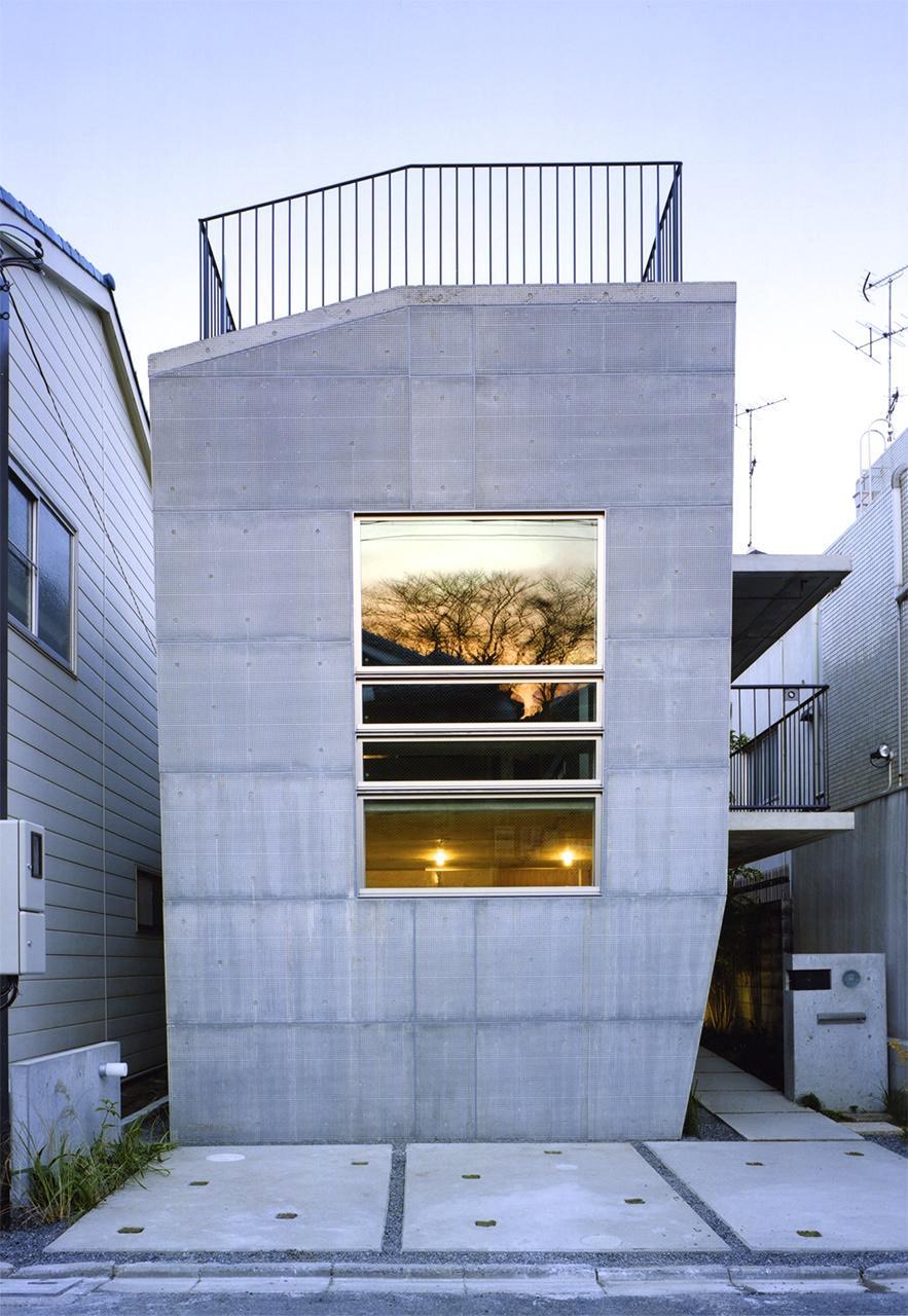 『subako』重厚感のあるコンクリート住宅の部屋 重厚感のある外観