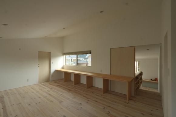 『囲みの家』プライバー・開放性を兼ね備えた住まいの部屋 シンプル・ナチュラルな洋室