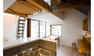 明るいダイニング・ワークスペース|『O・S邸』コンパクトな二世帯住宅