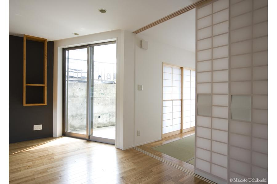 『O・S邸』コンパクトな二世帯住宅 (洋室より和室へ)