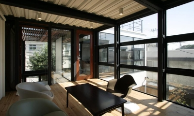 子世帯-開放的な客間|『I・M邸』光を共有する二世帯住宅