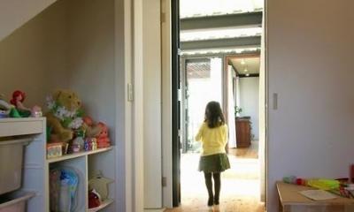 『I・M邸』光を共有する二世帯住宅 (子供部屋)