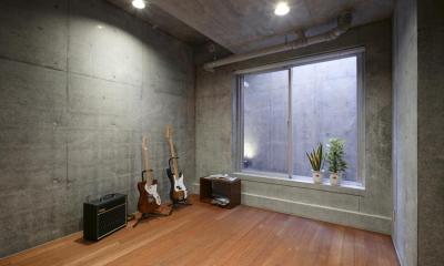 『I・K邸』コンパクト&機能満載の住まい (趣味を楽しむ地下室)