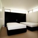 シンプルモダンなベッドルーム