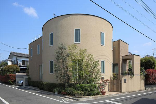 『M邸』4LDKから2世帯住宅へリノベーションの部屋 曲線が美しい外観