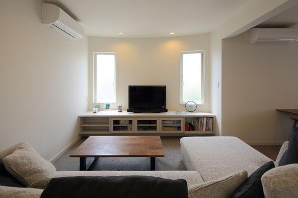 『M邸』4LDKから2世帯住宅へリノベーションの部屋 子世帯-明るいリビング