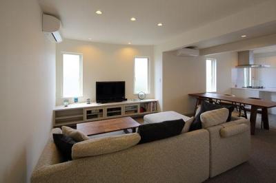 『M邸』4LDKから2世帯住宅へリノベーション (子世帯-明るいLDK)