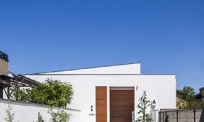 『高松の家』中庭を囲む平屋住宅