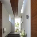 明るく開放的な玄関ポーチ