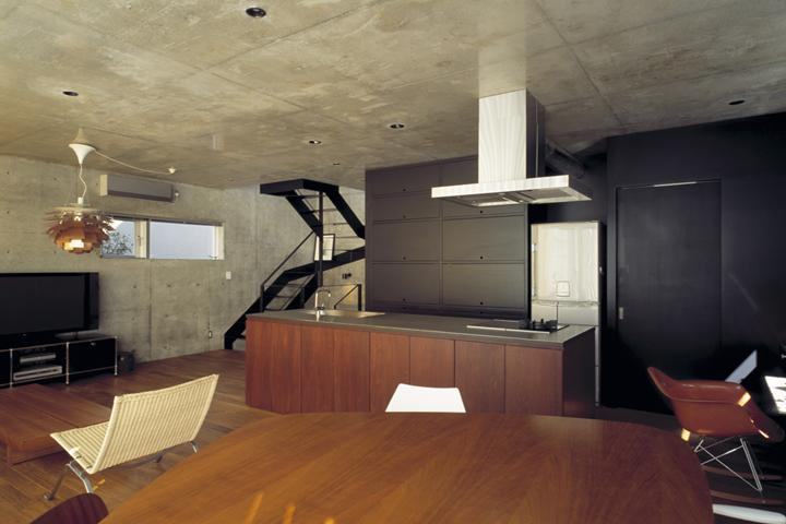 『我孫子の家』趣味を楽しめる個性あふれる住まいの部屋 ヴィンテージテイストのLDK-2