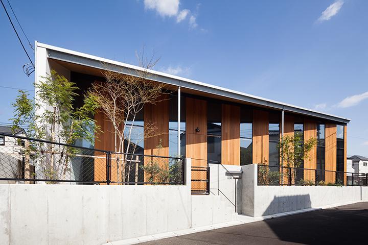 『東松戸の家』寛ぎ大空間リビングの住まいの部屋 シャープな外観
