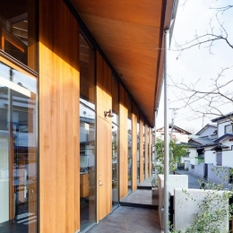 『東松戸の家』寛ぎ大空間リビングの住まい (一直線の庇)