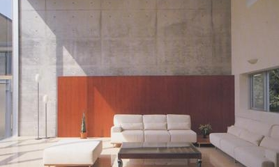 『岡崎邸』ロの字型の壁式コンクリートフレームの住まい