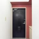ダイヤ柄タイル床の玄関