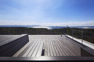 スカイダイニングから海を眺める (富津岬の別荘)