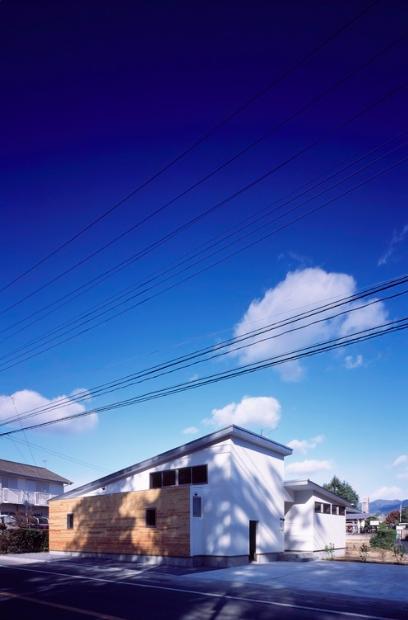 建築家:前島周子「『囲む家』様々な表情のある、楽しく温かな住まい」